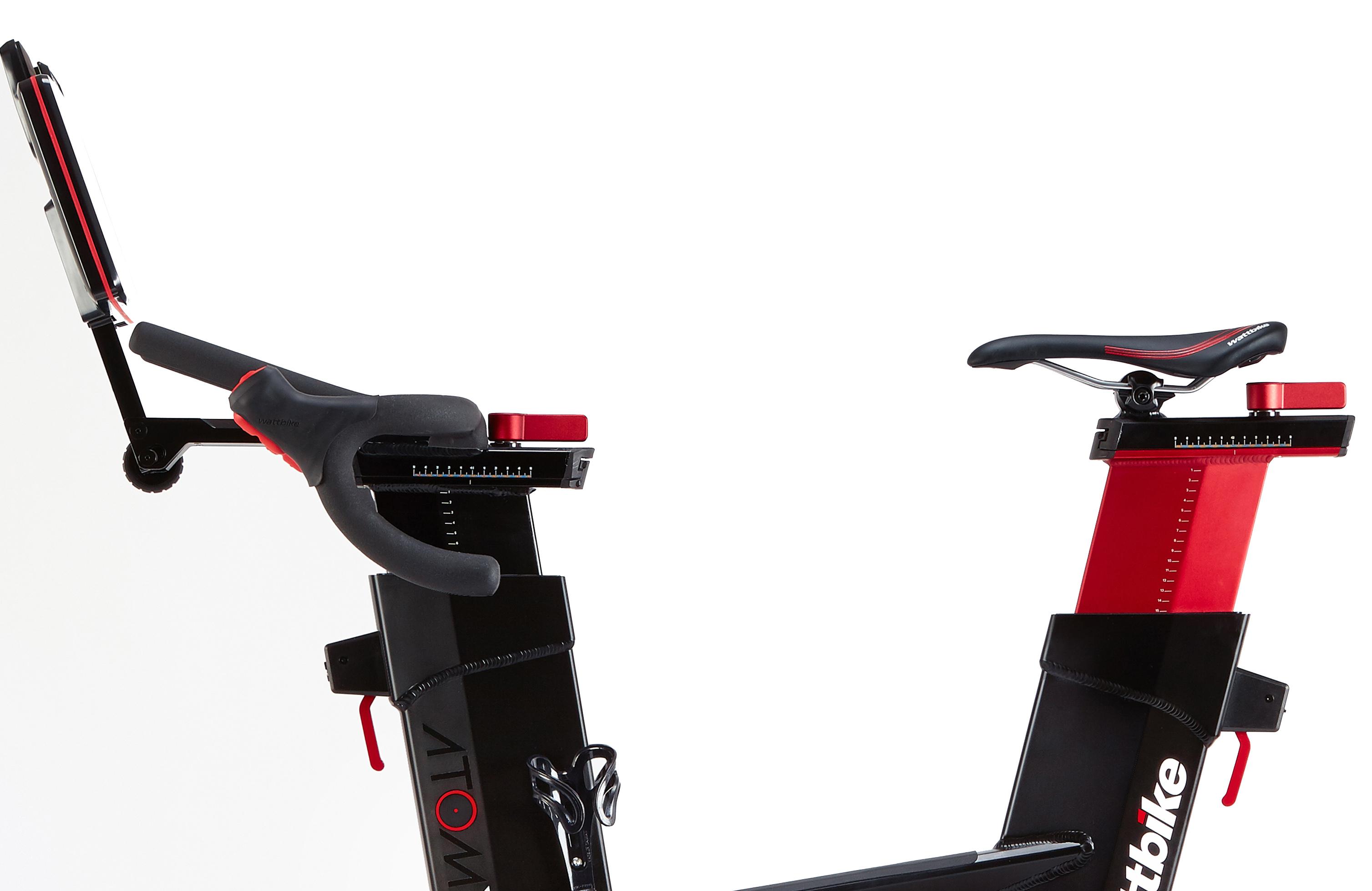 wattbike-atomx-lenker-sattel